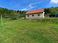 Hřiště na volejbal a nohejbal - chalupa ubytování Prostřední Bečva