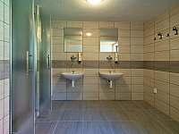 Nová koupelna - přízemí - chalupa k pronajmutí Prostřední Bečva