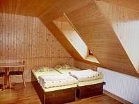 Pokoj v 1. patře - pronájem chalupy Prostřední Bečva