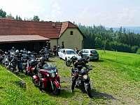 Zvládneme i skupinu motorkářů :-) - Prostřední Bečva