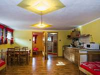 Apartmán pro 4 - červený - k pronájmu Bukovec