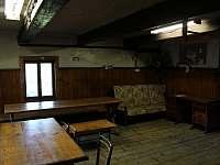 Společenská místnost - pronájem chaty Nýdek