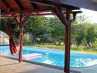 Bazén u objektu - chalupa ubytování Loučka - Lázy