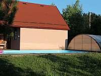 Pohled ze zahrady - chalupa k pronajmutí Loučka - Lázy