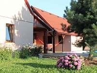 Pohled ze zahrady - chalupa ubytování Loučka - Lázy