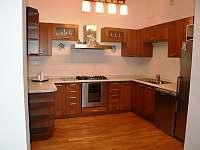 Lovecký Apartmán - kuchyně - k pronajmutí Frenštát pod Radhoštěm