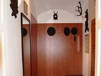 Lovecký Apartmán - vstupní chodba - pronájem Frenštát pod Radhoštěm