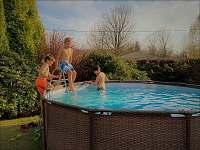 bazén s pískovou filtrací (průměr 3.5m) - chatky k pronájmu Písek u Jablunkova