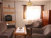 Obývací pokoj - chalupa k pronájmu Karolinka - Stanovnice