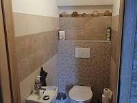 WC dole v apartmánu č.2 - Horní Bečva