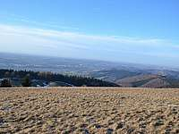 Pohled z blízkého kopce LOUČKA - Bystřice