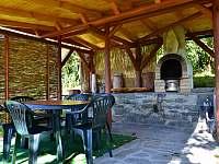 Venkovní gril - pronájem chaty Bystřice