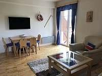 Obývací část - apartmán k pronájmu Velké Karlovice