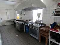 velkokapacitní kuchyň
