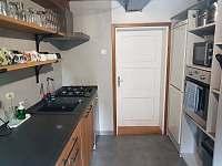 Kuchyň - roubenka k pronájmu Nový Hrozenkov