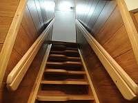 Schodiště k apartmánu č. 3 - pronájem chalupy Velké Karlovice