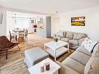 Velký apartmán- obývací pokoj - Bukovec