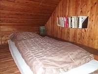 spaní v obýváku - chalupa k pronajmutí Vigantice