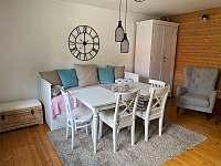 Posezení v obývacím pokoji - Ostravice