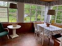 Výhled z verandy do zahrady - Ostravice