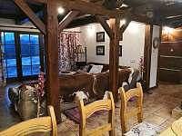 Pohled na Lysou horu z obývacího pokoje + jídelny . - chalupa k pronajmutí Staré Hamry