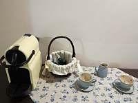 Kvalitní káva a čaj k dispozici - apartmán k pronajmutí Velké Karlovice