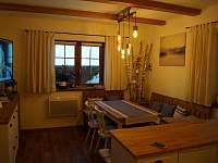 Apartmán A: kuchyň - chalupa k pronájmu Velké Karlovice