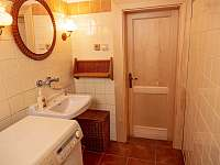 Koupelna - chalupa k pronajmutí Karolinka