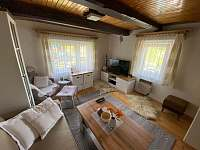 Obývací pokoj - chalupa k pronájmu Halenkov - údolí Břežitá