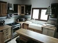 Kuchyň - chalupa k pronájmu Bukovec