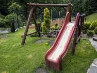 Dětské hřiště - chalupa ubytování Dolní Bečva