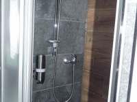 sprchový kout - pronájem chaty Ostravice