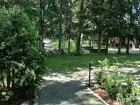 vjezd a místo pro parkování - chata ubytování Ostravice