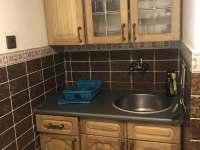 kuchyňě - chata k pronájmu Hrčava