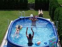 Bazén - chalupa k pronájmu Bystřička
