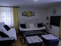 I. Apartmán   Obývací pokoj - k pronájmu Čeladná