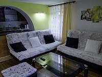 I. Apartmán   Obývací pokoj - k pronajmutí Čeladná