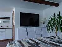 II. Apartmán   Obývací pokoj - k pronajmutí Čeladná