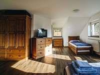Apartmán 1 - 4+1, vlastní koupelna s WC - chalupa k pronájmu Rožnov pod Radhoštěm