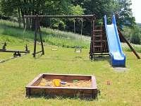 dětské hřiště - Rožnov pod Radhoštěm