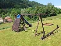 dětské hřiště - pronájem chalupy Rožnov pod Radhoštěm