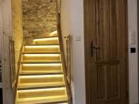 schodiště do patra - Velké Karlovice