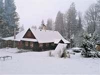 Zima - chalupa k pronájmu Krásná