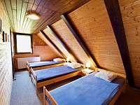 Ložnice 3 lůžka - pronájem chaty Čeladná