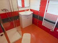 Apartmán červený (koupelna) - Kunčice pod Ondřejníkem