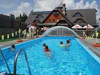 Bazén na hotelu Kohútka - pronájem chaty Nový Hrozenkov