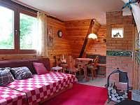 Obývací pokoj 1.polovina chaty - k pronájmu Nový Hrozenkov