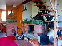 obývací pokoj 1.polovina chaty - k pronajmutí Nový Hrozenkov