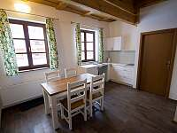 Apartmán - jídelní kout - Dolní Lomná