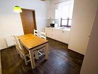 Apartmán - jídelní kout - pronájem chalupy Dolní Lomná
